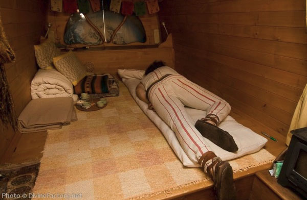earthship-bed