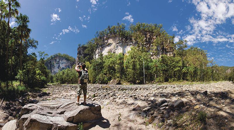 Hiking, Carnarvon Gorge National Park, QLD