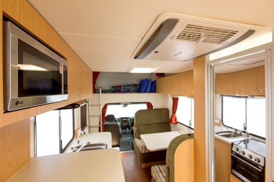 Kc Elite Motorhome 4 Berth
